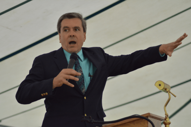 Pastor Dean Martin